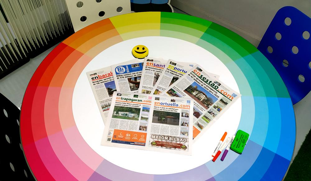 Excelencia Mesa Creativa Colores