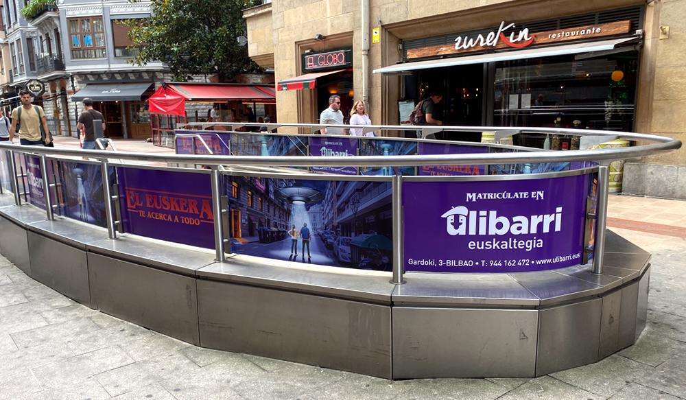 Publicidad Metro Bilbao Barandillas